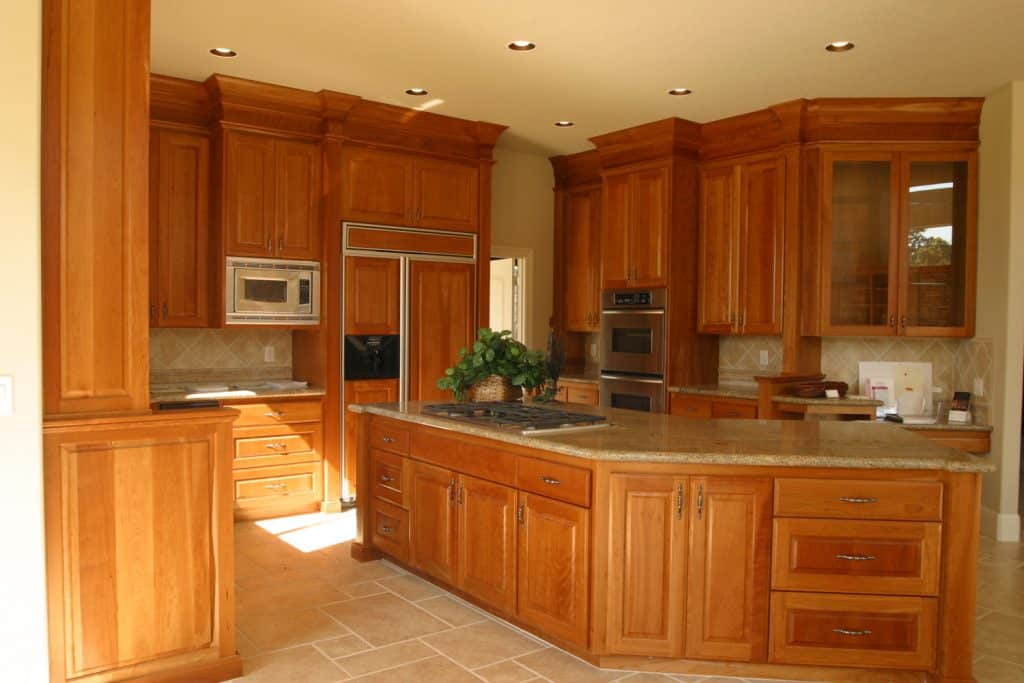 What Color Floor Goes With Oak Cabinets, What Color Laminate Flooring With Honey Oak Cabinets