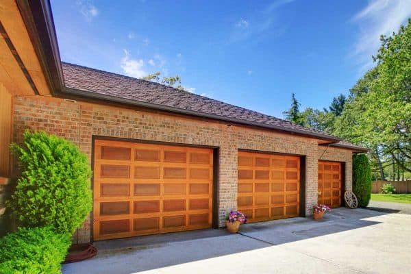 Read more about the article What Color Garage Door Goes With A Tan House?