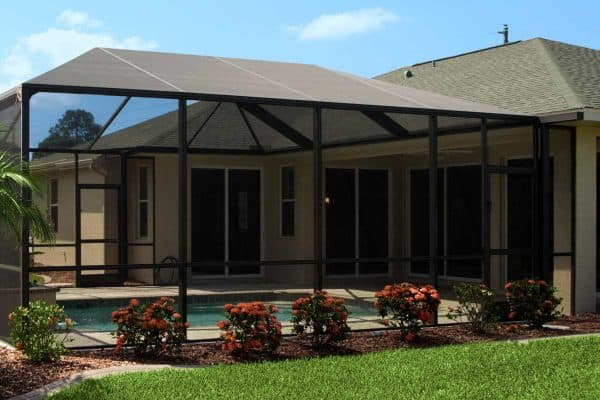 Read more about the article How To Paint An Aluminum Patio Enclosure Or Lanai