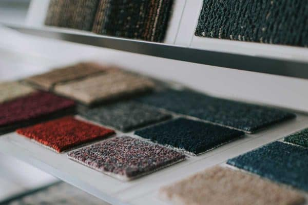Read more about the article How To Install Carpet Tiles – With And Without Glue
