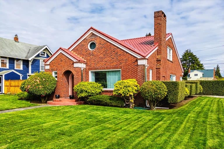 Small American red brick home on a sunny day, What Color Mortar For A Red Brick House?