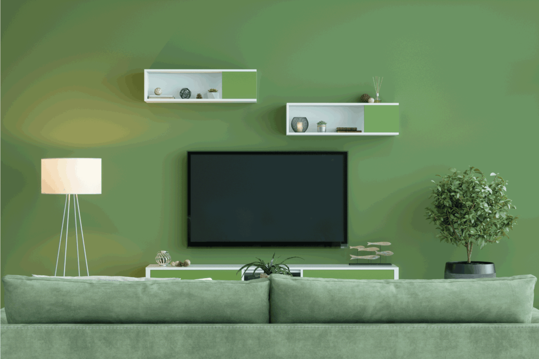 Smart Tv With Blank Screen In Green Room