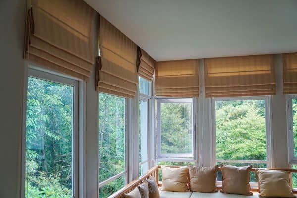 Read more about the article How To Stop Light From Coming Through Blinds
