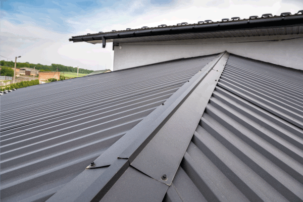 Read more about the article What Color Metal Roof Fades The Least?
