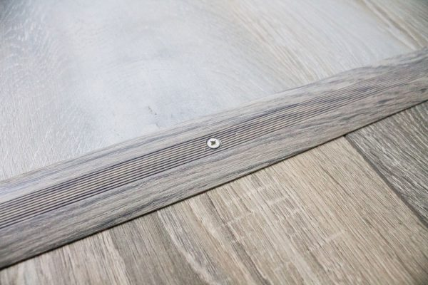Read more about the article How To Install Transition Strip On Vinyl Plank Flooring