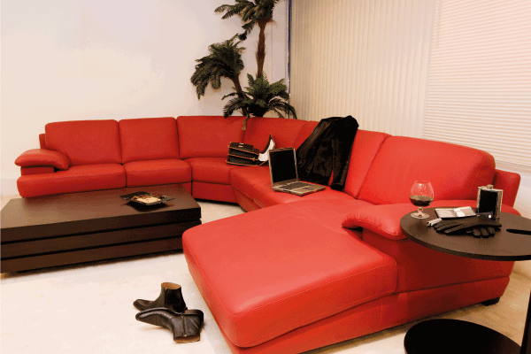 Read more about the article 11 Great Coffee Table Ideas For A Long Couch