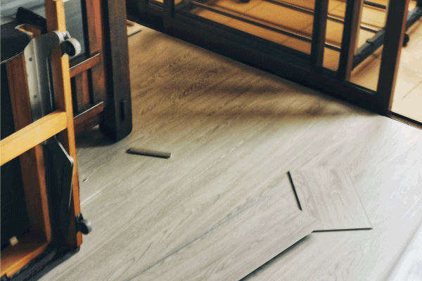 Read more about the article How To Fix Cracks In Vinyl Plank Flooring