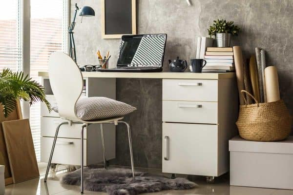 Read more about the article How To Paint An Ikea Desk [10 Simple Steps]