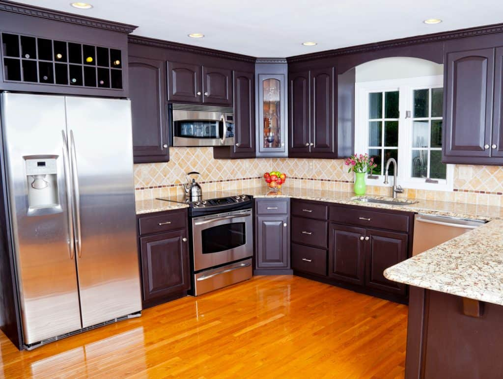 Kitchen with standard countertop height