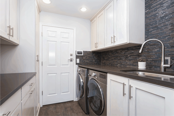 Read more about the article What Color Walls Go With White Cabinets?