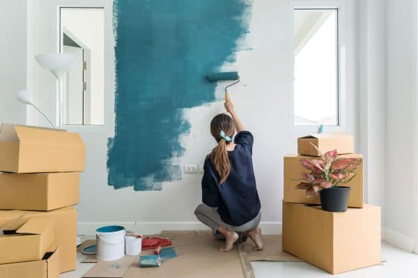 Read more about the article How Long Should Benjamin Moore Paint Dry Between Coats?