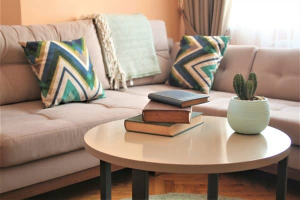 Read more about the article How Much Weight Can A Coffee Table Hold?