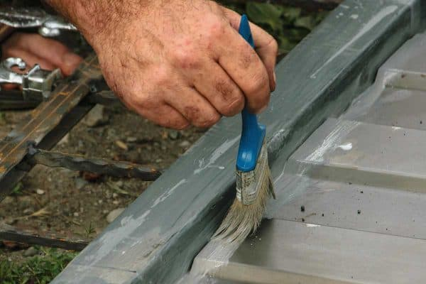 Read more about the article How To Paint An Aluminum Door In 6 Easy Steps