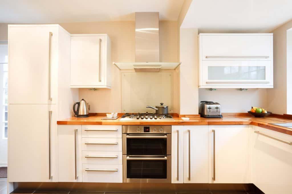 Modern kitchen with Neutral beige walls